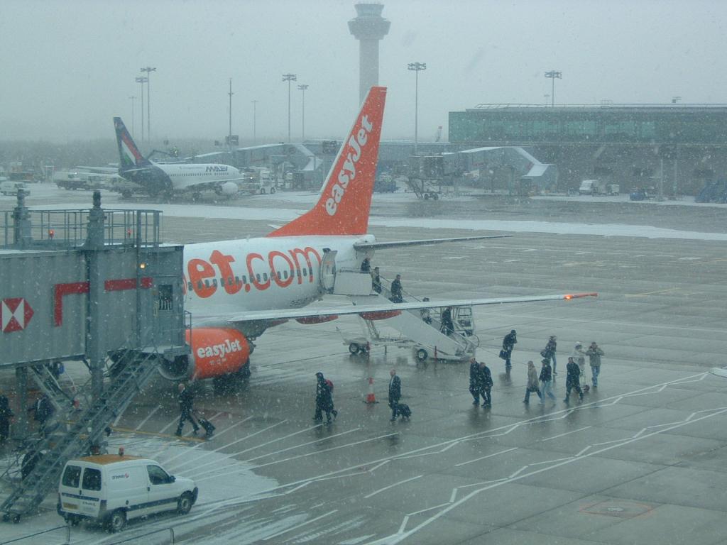 Airlines - Easy Jet, britische No Frills Airline in Europa (0165), Foto: ©Carstino Delmonte (2009)