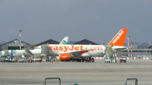 Airlines - Easy Jet, britische No Frills Airline in Europa (06356), Foto: ©Carstino Delmonte (2009)