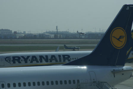 Airlines - Ryan Air, Irische No Frills Airline in Europa (05153), Foto: ©Carstino Delmonte (2009)
