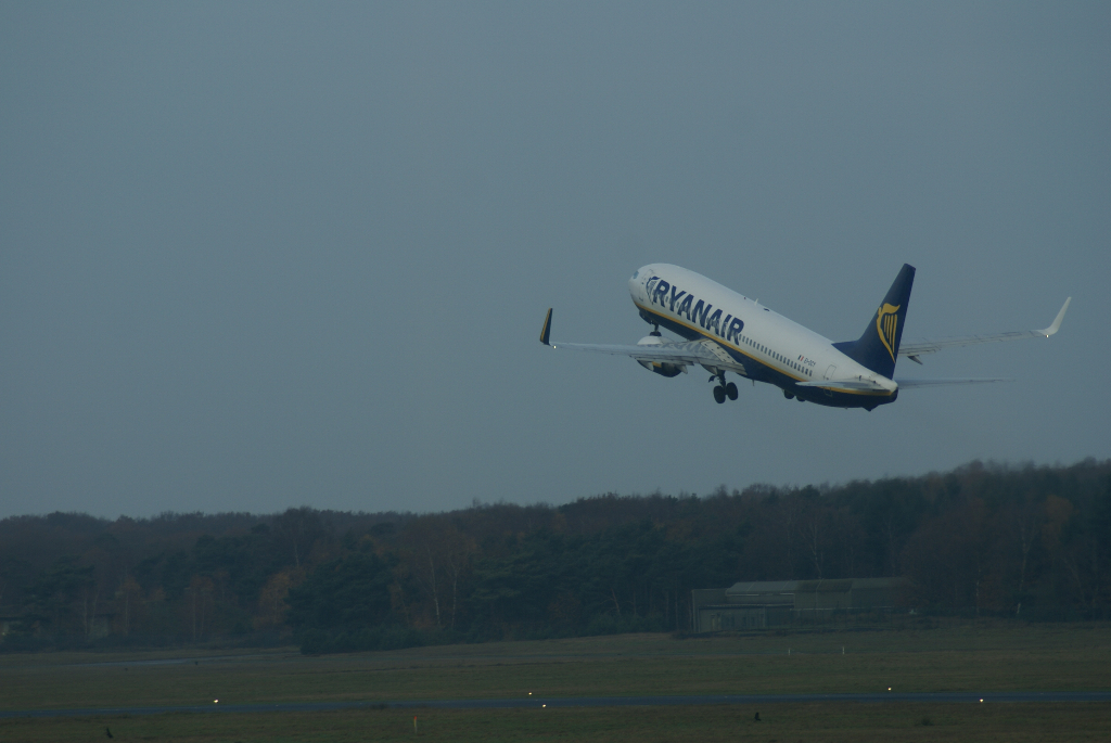 Airlines - Ryan Air, Irische No Frills Airline in Europa (05574), Foto: ©Carstino Delmonte (2009)