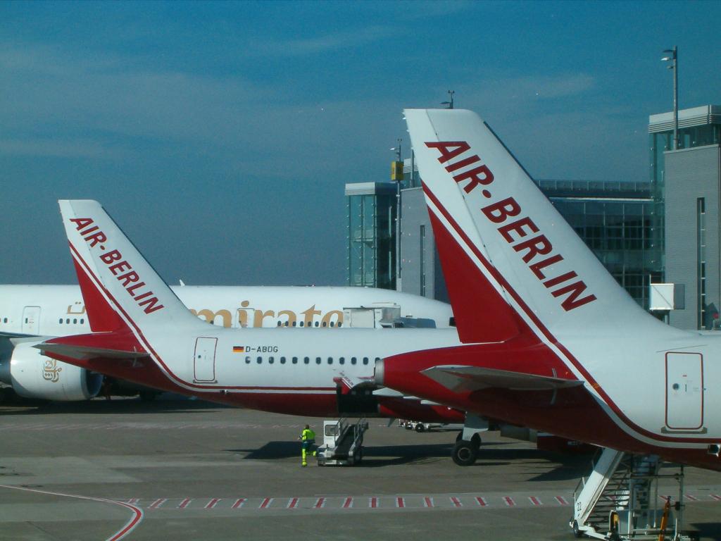 Airlines - Air Berlin - deutsche No Frills Airline mit europäischen und intercontinentalen Zielen (05011), Foto: ©Carstino Delmonte (2006)