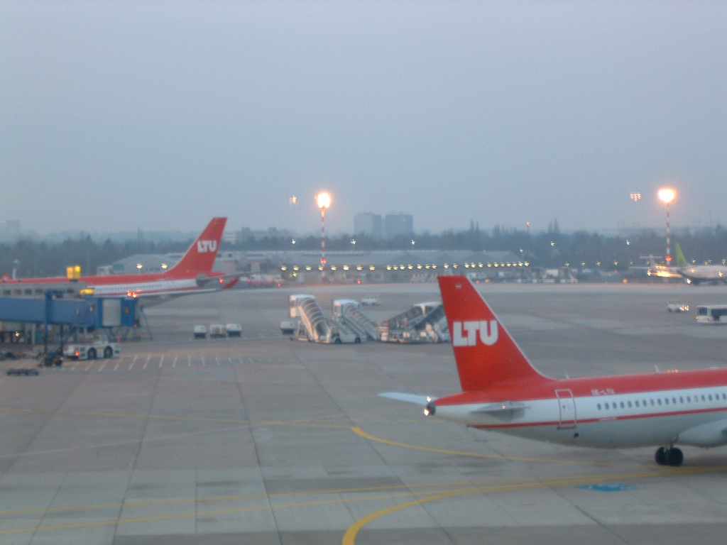 LTU - Charterairline aus Düsseldorf (ab 2008 Air Berlin) (0003) Foto: ©Carstino Delmonte (2008)