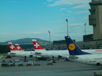 Swiss - schweizerisches Lufthansa-Unternehmen (04048) Foto: ©Carstino Delmonte (2009)