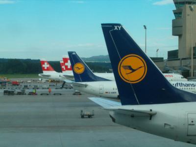 Swiss - schweizerisches Lufthansa-Unternehmen (04050) Foto: ©Carstino Delmonte (2009)