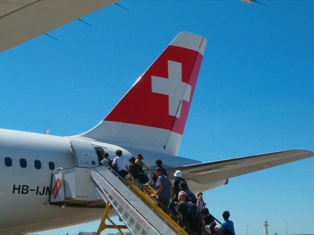 Swiss - schweizerisches Lufthansa-Unternehmen (04246) Foto: ©Carstino Delmonte (2009)
