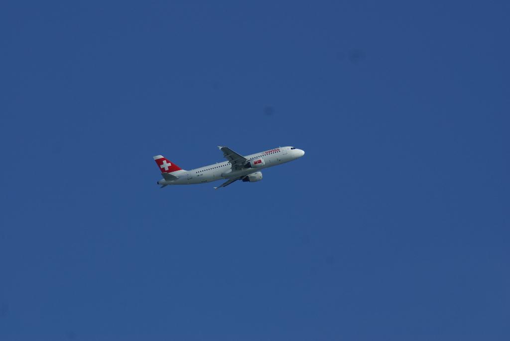 Swiss - schweizerisches Lufthansa-Unternehmen (00851) Foto: ©Carstino Delmonte (2009)