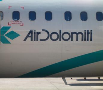 Air Dolomiti - italienisches Lufthansa-Unternehmen (02436) Foto: ©Carstino Delmonte (2006)