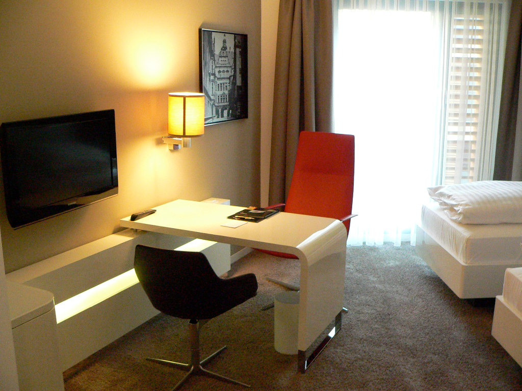 Dresden - Zimmer im neu eröffneten Innside Sol Melia Hotel
