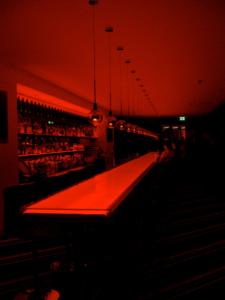 Dresden - Twist-Lounge mit faszinierenden Leuchtspielen im neuen Innside Sol Melia Hotel