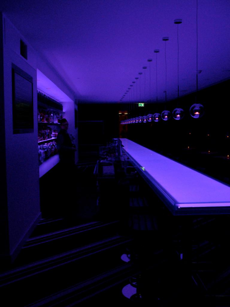 Dresden - Mal rot mal blau - die Twist-Lounge im Innside Sol Melia Hotel