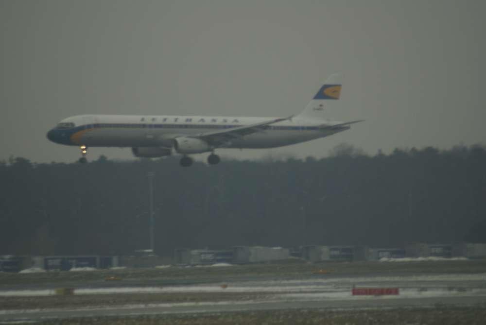 Klappen-Ballett: Lärmarme Anflüge auf Frankfurt im Simulator getestet