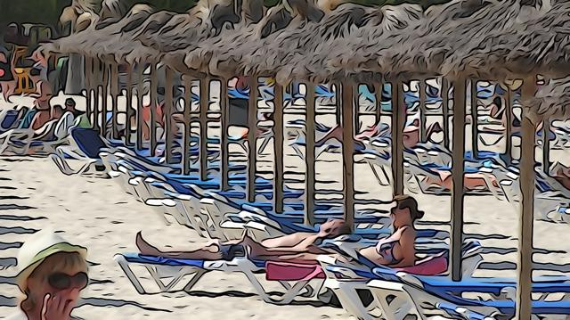 Streitfall Handtuch: Liegen-Reservierer lassen viele Urlauber rot sehen