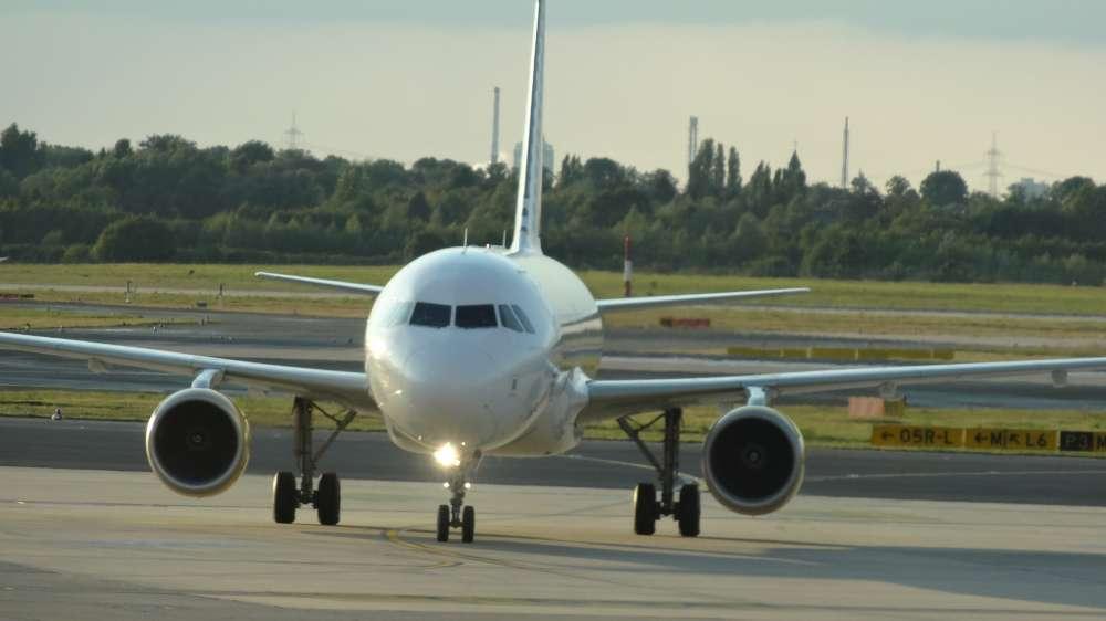 """""""Faszination Flughafen"""": WDR-Doku blickt in Düsseldorf, Dortmund und Köln/Bonn hinter die Kulissen"""