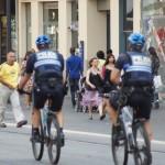 Britische Touristen begrüßen erhöhte Sicherheitsmaßnahmen in Frankreich