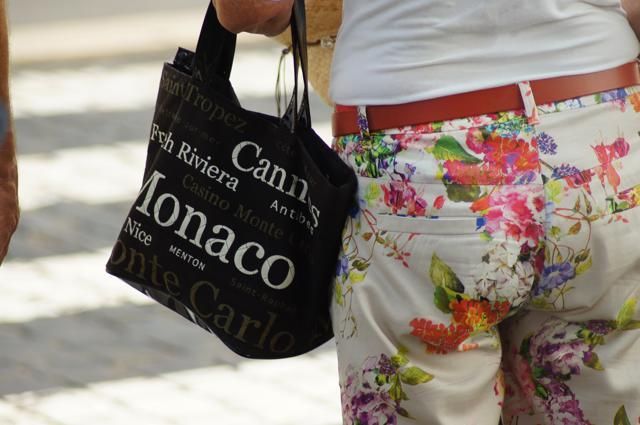 Strandtaschen Check 2016 – auf diese Dinge können die Deutschen am Strand nicht verzichten