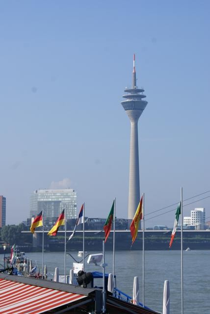 Alltours bleibt Hauptsponsor des Open Air Kinos am Rhein – Sponsorenvertrag verlängert