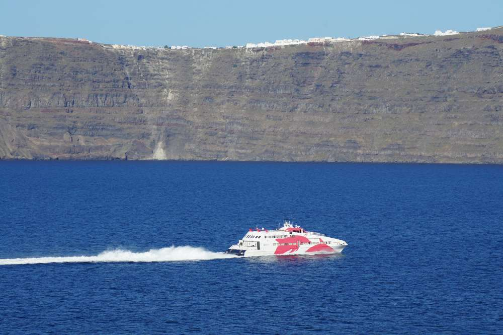 Klimaneutral auf die Orkney-Inseln:  DLR mit an Bord bei Entwicklung der weltweit ersten hochseefähigen Wasserstoff-Fähre mit Brennstoffzelle