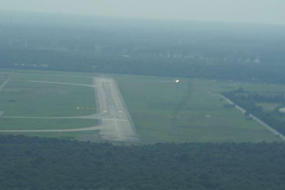 Luftverkehr: Testlauf am Flughafen Wien – Bodenplatten verringern Wirbelschleppen im Landeanflug