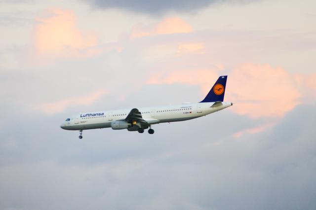 Satellitenbasiertes Landen: DLR und Lufthansa führen Flugversuche in Braunschweig durch