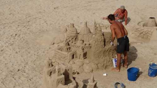 Maritime Abenteuer – Die Sandskulpturen-Ausstellung in Lübeck-Travemünde lädt zum Staunen ein
