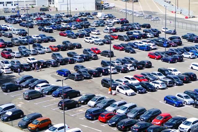HLX.com integriert Parkplatz-Reservierung