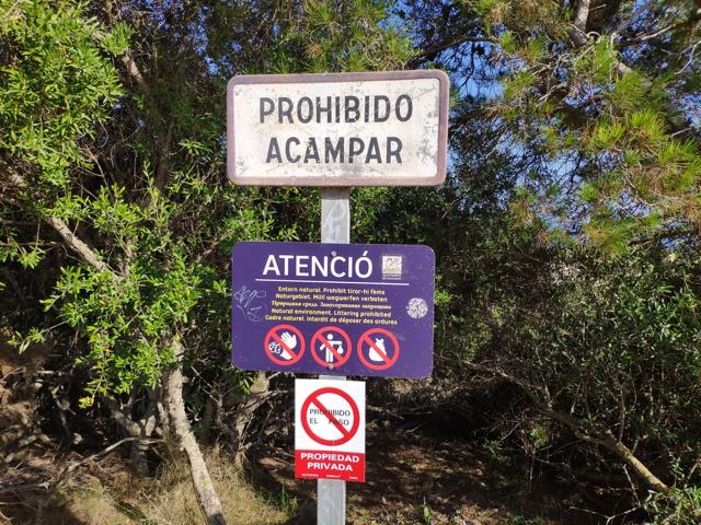 Brandschutz im Urlaub: Gefahrenquellen auf Campingplätzen ernst nehmen
