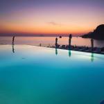 Therasia Resort Sea & SPA stellt sich vor:  Die mediterrane Atmosphäre, die exklusive Gastfreundschaft und der Luxus, eine Pause von Natur umgeben zu genießen.